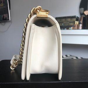 CHANEL Bags - Chanel Chevron Le Boy Bag